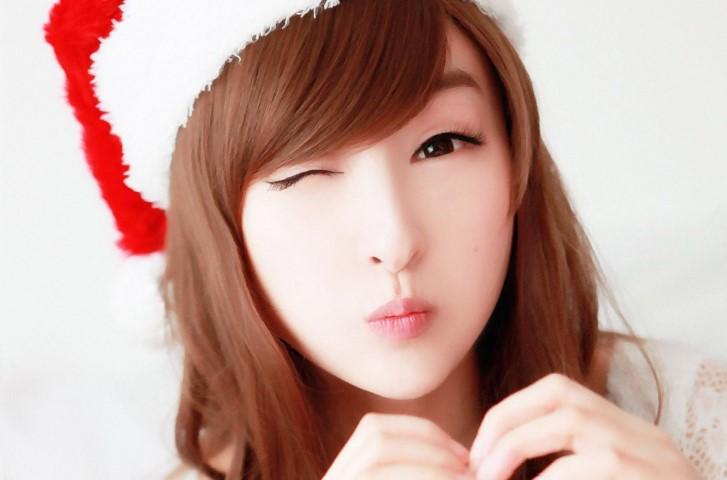 Asian-Cute-Girls-Christmas-HD-Wallpaper-1080x713 (Small).jpg